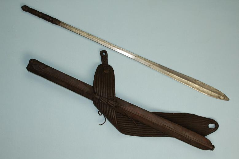 African Maasai Seme very fine and large complete early example a rare artifact www.swordsantiqueweapons.com
