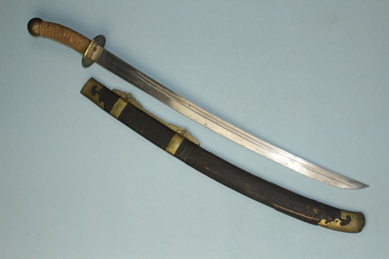 A good Chinese sword Complete sabre Military side arm www.swordsantiqueweapons.com