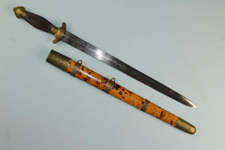 Chinese sword Jian in tortoise shell A very fine example www.swordsantiqueweapons.com