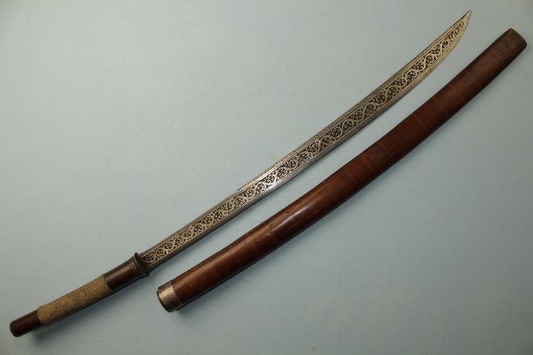 A Fine Fighting sword Dha Dah Burma mid 19th cent Very fine silver inlayed bladed www.swordsantiqueweapons.com