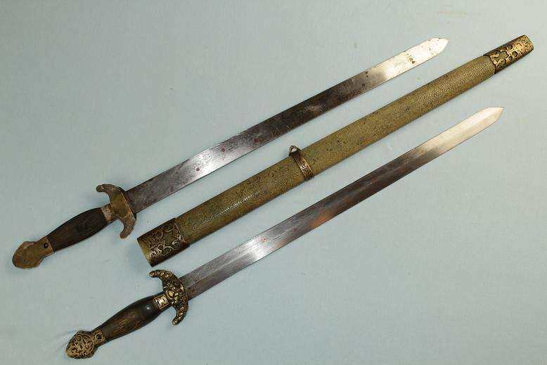 Shuang Jian 19th century double swords Seven Star inlay www.swordsantiqueweapons.com
