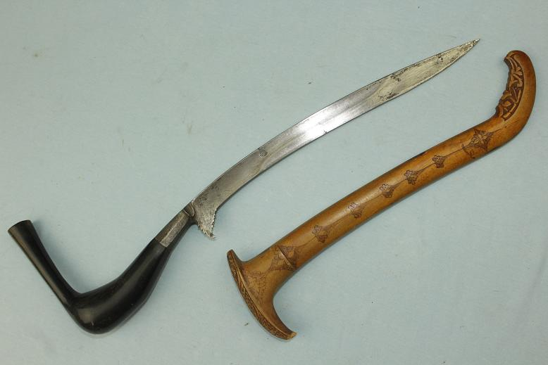 A very good antique Rencong knife sword dagger Northern Sumatra Fine blade hulu Meucangge www.swordsantiqueweapons.com