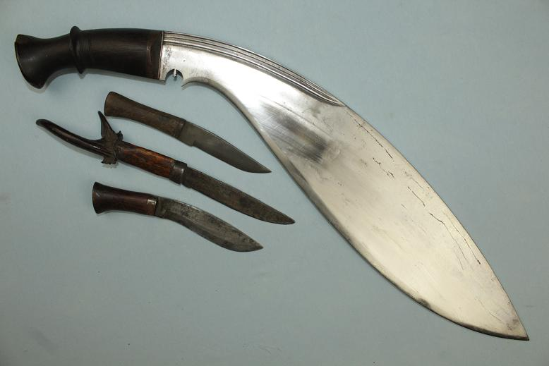 A rare early Kukri Massive Broad belly Ex RA collection www.swordsantiqueweapons.com