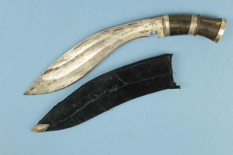 A fine Kurki Crescent marked Dia Chirra 1920/30s Officer's Kukri Private purchase Fisher presentaion Kothimora www.swordsantiqueweapons.com