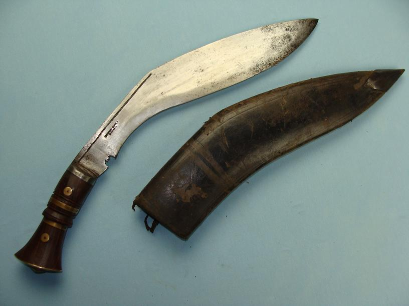 Kukri WWII attributed www.swordsantiqueweapons.com
