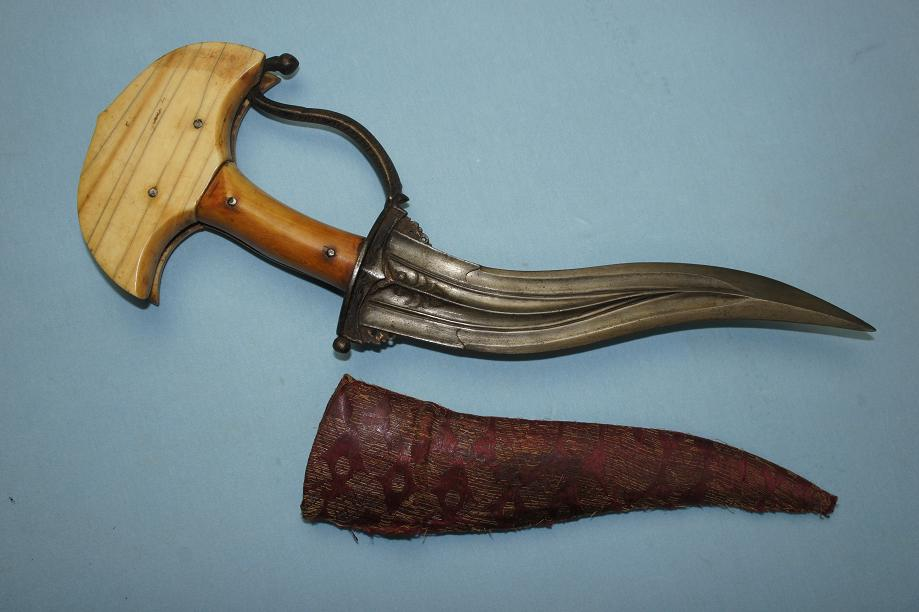 Khanjarli Khandjar Jambiya Rare Indian dagger A very fine early example www.swordsantiqueweapons.com