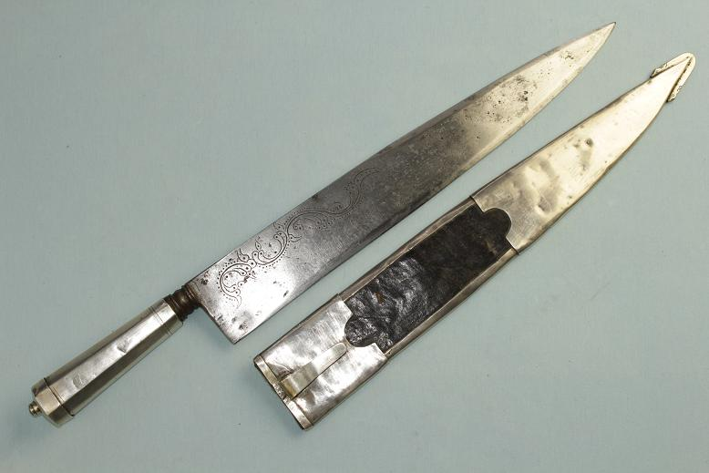 Argentinian Argentina Brazil Chile Gaucho knife South American Cowboy A strong, large & impressive Cowboy knife Silver dressed An outstanding Punal www.swordsantiqueweapons.com