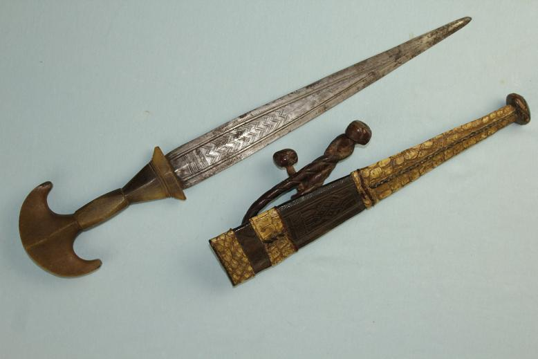 An extremely rare dagger Northern Sudan Kordofan exceptional Rhino hilt 19th century www.swordsantiqueweapons.com